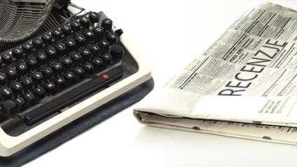 header - recenzja pisanie